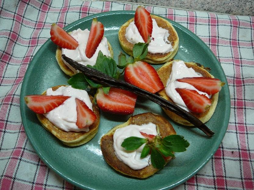 Ricottové lívance s čerstvými jahodami a vanilkou
