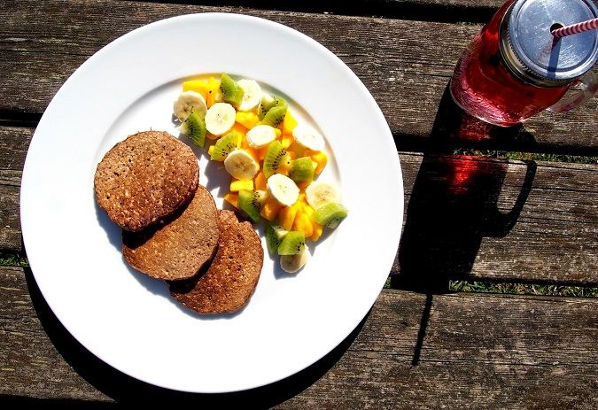 Zdravé snídaňové lívanečky z ovesných vloček a sojového mléka